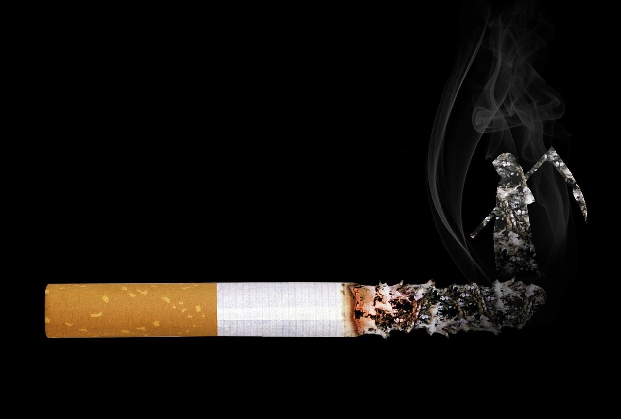 煙草禁煙化後のパチンコ屋で成立しそうな現実的な落し所【電子タバコと加熱式タバコ(アイコスなど)とホール事情】