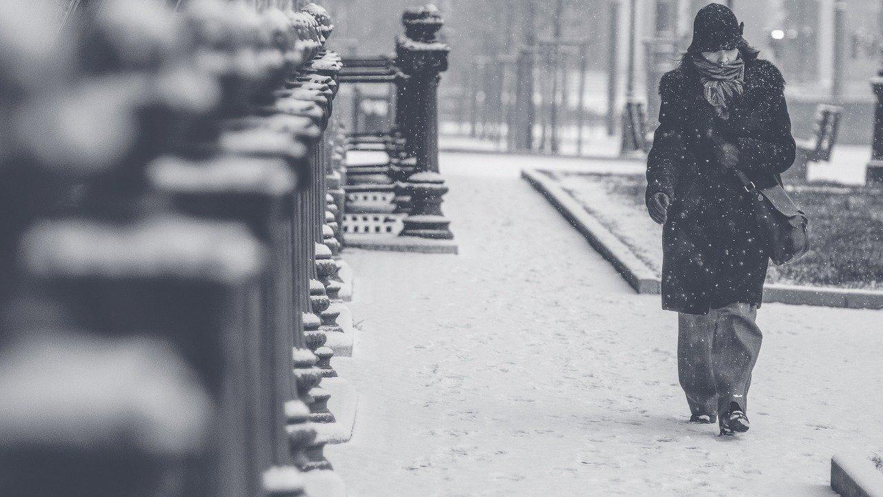 【パチンコ屋】新型コロナ禍対策の入り口解放換気、寒いのでもう止めません?【冬の換気は風邪の元】